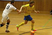 Zlínští futsalisté remizovali v Hodoníně 2:2. První gól hostů vstřelil Zdeněk Konečník (ve žlutém dresu).