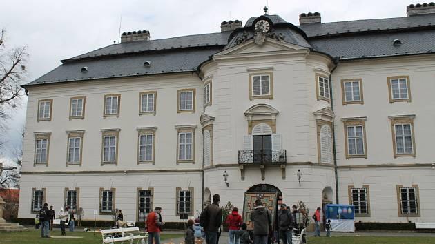 Na zámku ve Vizovicích na apríla slavnostně zahájili letošní návštěvnickou sezonu.