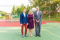 Slavnostního otevření se zúčastnil primátor Jiří Korec (první zleva) a náměstkyně primátora Kateřina Francová.