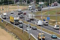 Krajské město a Otrokovice jsou po dlouhých letech stavebních prací a omezení provozu konečně propojeny moderní čtyřproudovou silnicí.