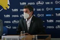 Zástupci hokejistů PSG Berani Zlín představili v úterý v poledne na své tiskové konferenci své plány a cíle na prahu nové extraligové sezony.  Na snímku trenér Robert Svoboda.