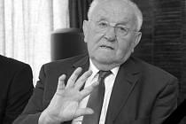 V sobotu zemřel prof. MUDr. Ladislav Pilka, DrSc. Bylo mu 81 let.