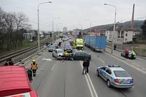 Tři lidé po nehodě skončili v nemocnici