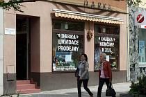 Prodejna Darka na náměstí ve Zlíně.