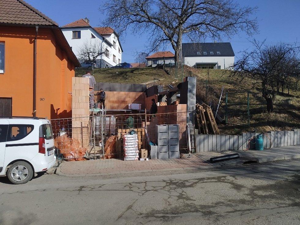 Přístavba hasičské zbrojnice v Březnici.