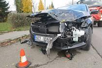 Řidička  Škody Scala narazila v pondělí 11. 11. 2019 do jedoucího vlaku na trase mezi Vizovicemi a Otrokovicemi ve Zlíně