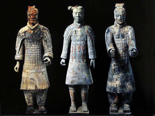 Reprodukce fotografií terakotových vojáků zXianu.