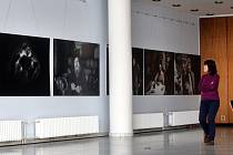 Výstava fotografií Jindřicha Štreita Domov (bez) Domova v Městském divadle ve Zlíně.