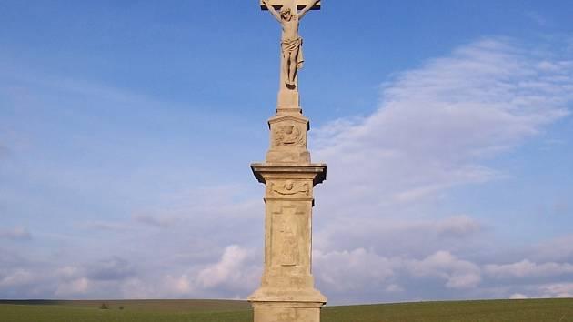 Opravený kříž v obci Spytihněv u Zlína.