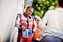 Respektovaný navigátor Jan Tománek (na snímku) chce jezdci Martinu Prokopovi v jubilejním čtyřicátém ročníku Rallye Dakar pomoct k umístění v elitní desítce.