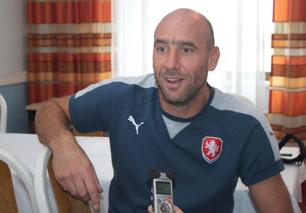 Nejlepší střelec v historii české fotbalové reprezentace Jan Koller je patronem české devatenáctky