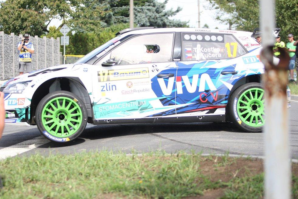 V rámci 49. ročníku Barum Czech Rally Zlín absolvovali v sobotu dopoledne jezdci rychlostní zkoušku Březová. Na snímku Tomáš Kostka