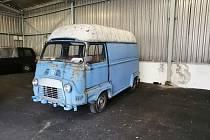 Renault Estafette 800, který připadl státu jako takzvanou odúmrť na základě usnesení Okresního soudu ve Zlíně, neboť se jej nepodařilo prodat při likvidaci dědictví. Prodal se za 32 tisíc.