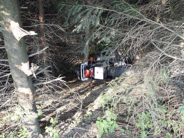 Vážná nehoda motocyklisty u obce Všemina.