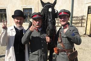 V seriálu Četníci z Luhačovic hraje také zlínský Radoslav Šopík