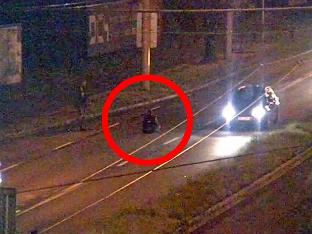 Ve Zlíně si v sobotu před půlnocí  sedl doprostřed jízdního pruhu opilý muž