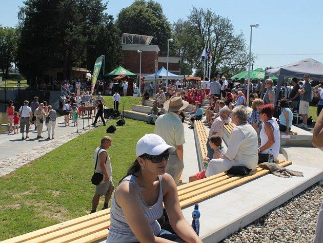 V sobotu 16. června 2012 ve Spytihněvi slavnostně otevřeli nové turistické centrum Na rejde, amfiteátr a přístaviště.