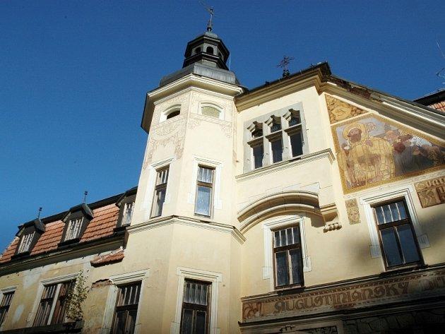 Zchátralý Augustiniánský dům se dočkal opravy
