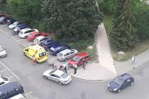 Sitauce na místě dopravní nehody, kdy byl sražen vozem chodec