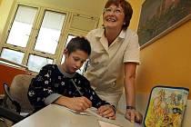 Nemocné děti ve škole zpoždění nenaberou, věnují se jim individuálně paní učitelky i v nemocnici.