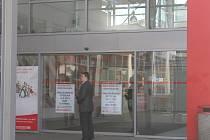 Interspar ve Zlíně zůstal ve čtvrtek 16. května pro zákazníky uzavřen.