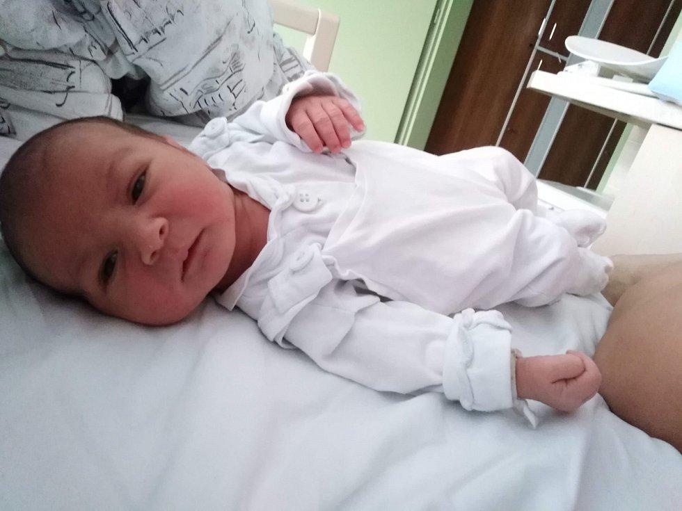 Petr Juroška, narozen 7.8.2019 ve Zlíně, bydliště Zlín, míra 48 cm, váha 2.870 gramů