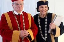 Udělení čestné hodnosti Doctor Honoris Causa Univerzity Tomáše Bati ve Zlíně paní Sonje Bata.