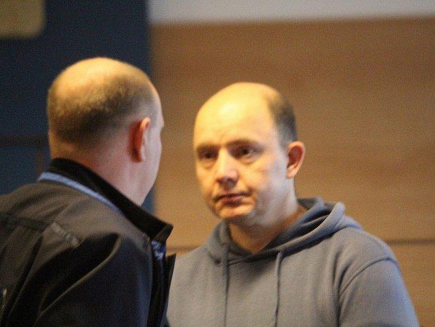 Obžalovaný Jan Prokop před senátem krajského soudu ve Zlíně