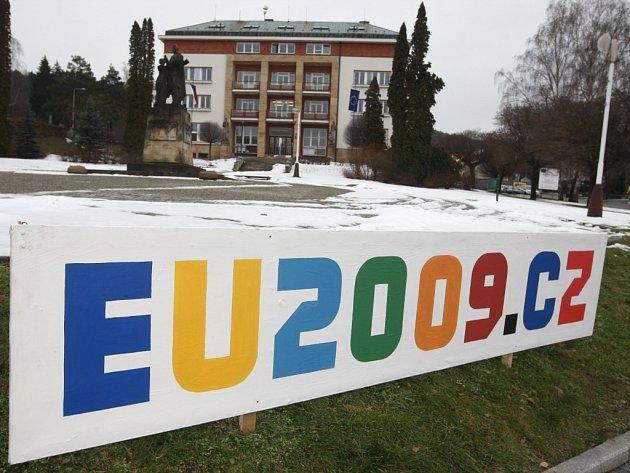 Přípravy na velkolepou ministeriádu v Luhačovicích vrcholí.