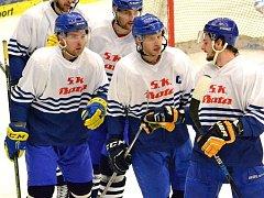Zlínští hokejisté v retrodresech