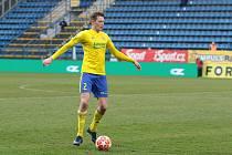 Fotbalisté Zlína (ve žlutých dresech) ve 22. kole FORTUNA:LIGY podlehli Českým Budějovicím 2:3. Na snímku je Dominik Simerský.