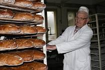 V pekárně.