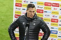 Fotbalisté Zlína (tmavé dresy) hráli v Ďolíčku s domácími Pardubicemi bez branek.