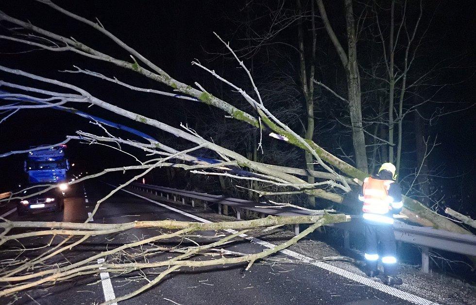 Následky silného větru ve Zlínském kraji v noci z 23. na 24. února 2020
