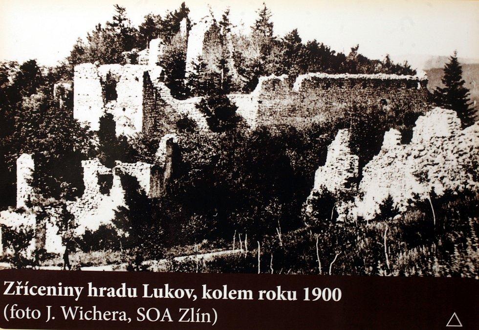 Hrad Lukov. Historické foto.