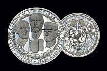 Nákup pamětních mincí ze vzácných kovů může být vysvobozením pro ty, kdož přemýšlejí nad originálním a zároveň dlouhodobě hodnotným dárkem. Mince ražené ze stříbra navíc v peněžence žádný velký průvan nezpůsobí. Jejich hodnota přitom s časem obvykle roste