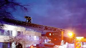 Požár rodinného domu v ulici Nad Vývozem ve Zlíně.