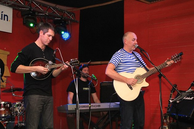 Koncert kapely Mirečkovi Sekerášé.