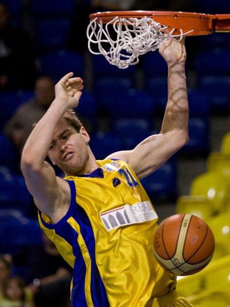 ŽLUTOMODRÝ ZŮSTANE. Ačkoliv basketbalista Martin Vaňák po čtyřech letech opouští Opavu i Mattoni NBL, prvoligový Zlín vyznává stejné barvy.