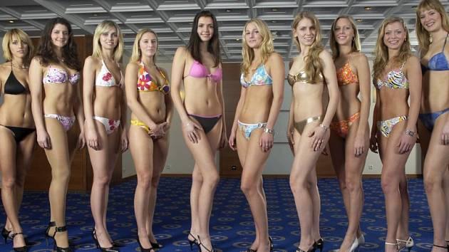 Deset finalistek Miss Academia 2008