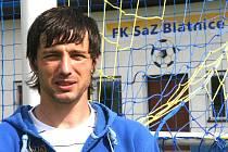"""První fotbalové krůčky Davida Šmahaje vedly na hřiště v Blatnici. """"Vzpomínám si, že když jsem byl kluk, tak jsme tady byli pořád,"""" říká Šmahaj."""
