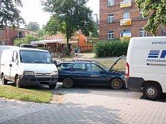 Řetězové dopravní nehoda tří dodávek a osobního auta ve Zlíně.