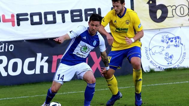 fotbal FC  FASTAV Zlín   - FK  Mladá Boleslav Martin Cedidla (na snímku vpravo)