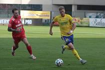 Fotbalisté Zlína (ve žlutých dresech)  ve 3. kole FORTUNA:LIGY porazili Zbrojovku Brno 3:1. Na snímku je Václav Procházka.
