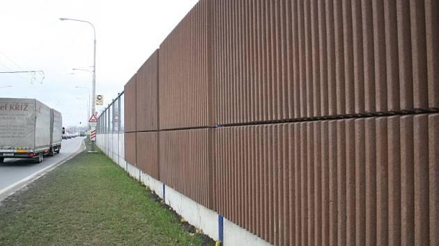 Protihluková stěna