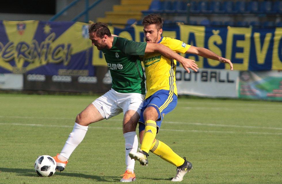 Fotbalisté Zlína (ve žlutých dresech) proti Jablonci