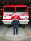 Jen několika hodinovou směnu si letos na Štědrý den střihl i čtyřiatřicetiletý zlínský profesionální hasič Ondra Macháček.