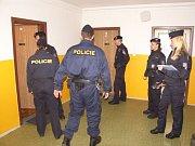 Policie při dvoudenním zátahu na cizince našla marihuanu i padělané doklady.