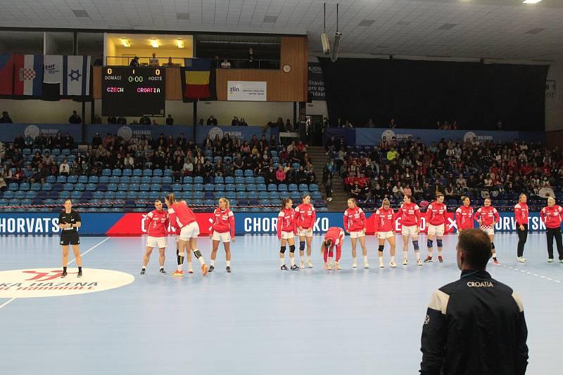 Kvalifikační utkání o postup na ME 2022 házenkářek Česko (v červeném) - Chorvatsko ve Zlíně.
