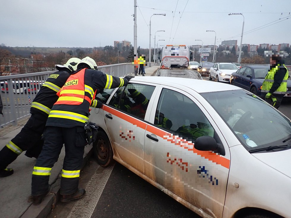 Nehoda v centru Zlína komplikovala provoz
